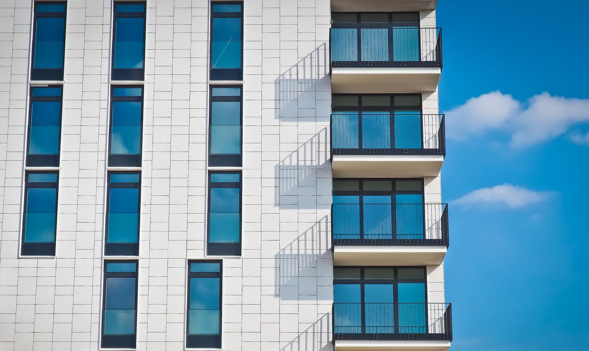 obnova fasade na bloku