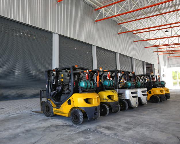 Paletni voziček je obvezen del logistike