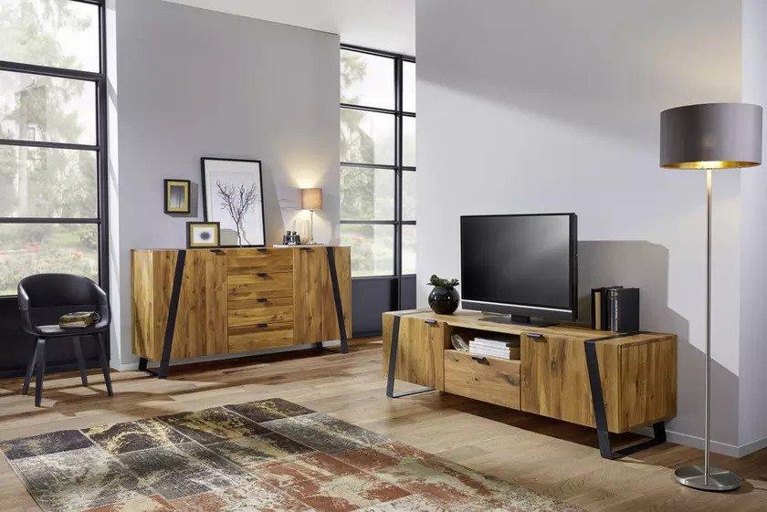 Kakšen TV regal je primeren za vaš dnevni prostor?